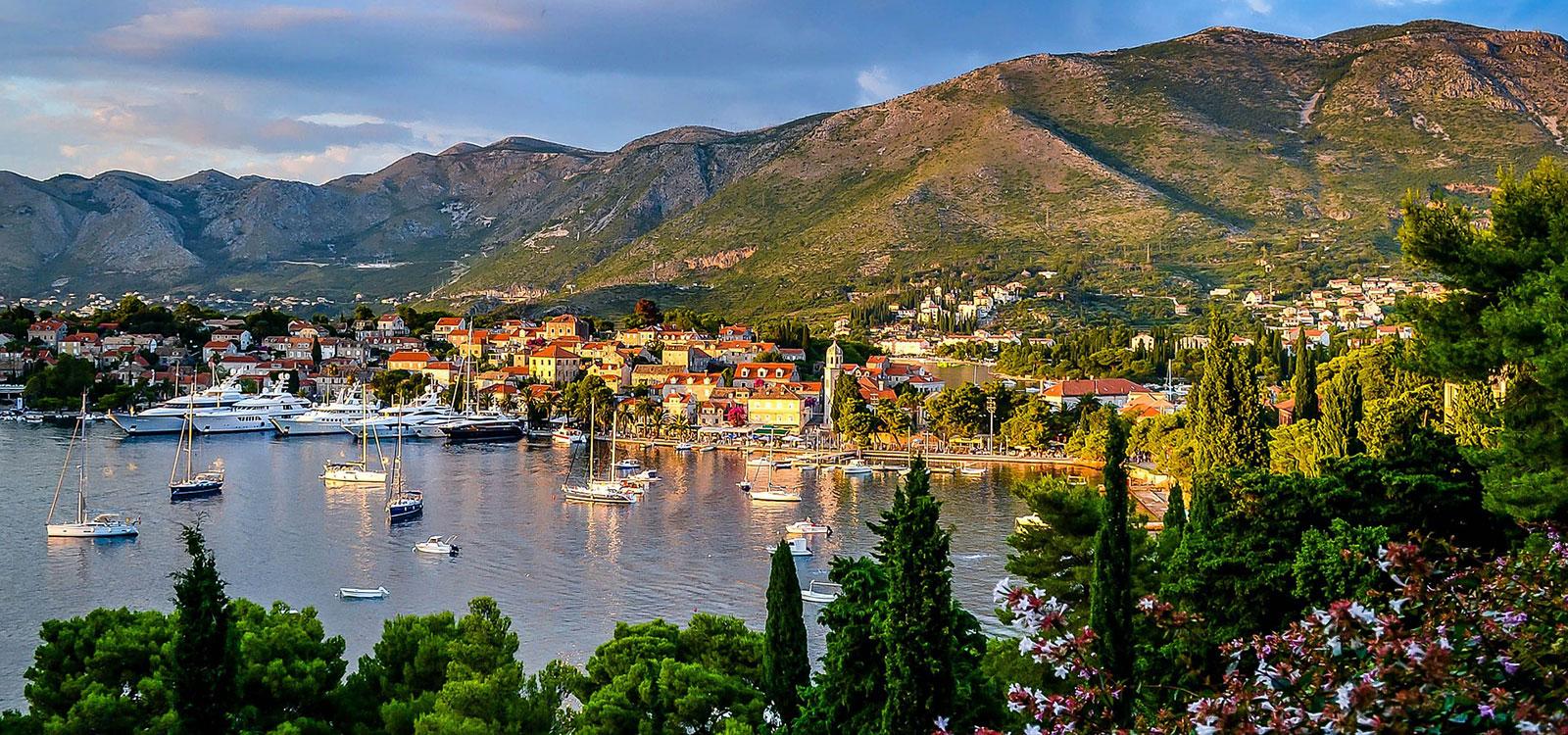 Hrvatsko selo uz more